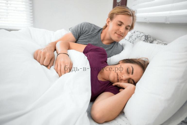 Женщина уснула перед сексом