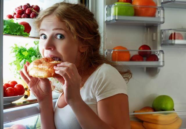 Отсутствие диеты и правильного питания снижает либидо