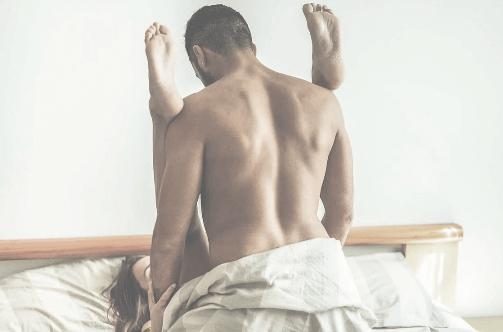 Поза для секса со знаком зодиака Лев